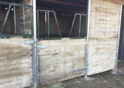 Panneau Douglas: Box chevaux