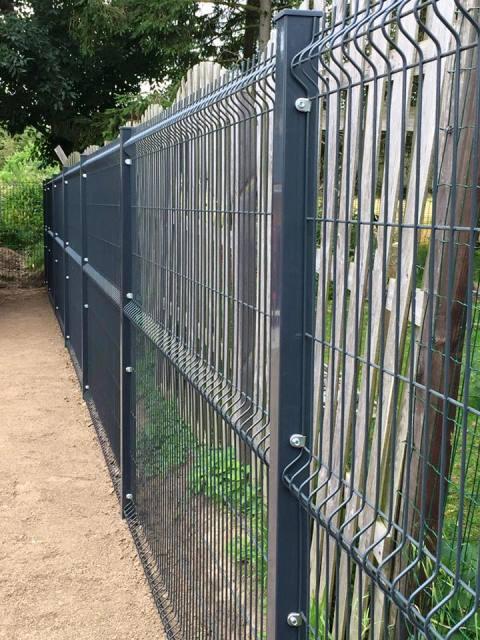 Poteau de clôture carré