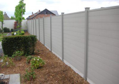 Clôture composite gris jardin