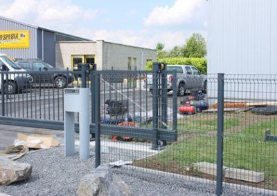 Poteaux de clôture à Louveigné