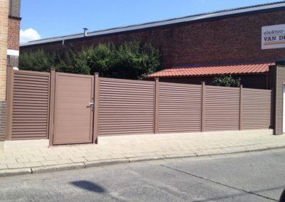 Clôture composite - Porte brune